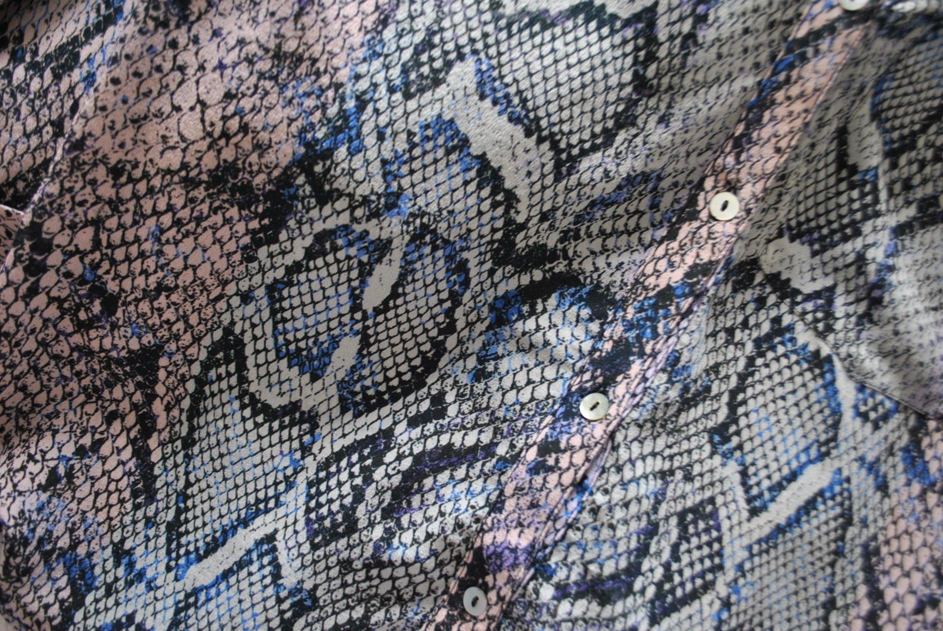 Pyrus-snake-shirt