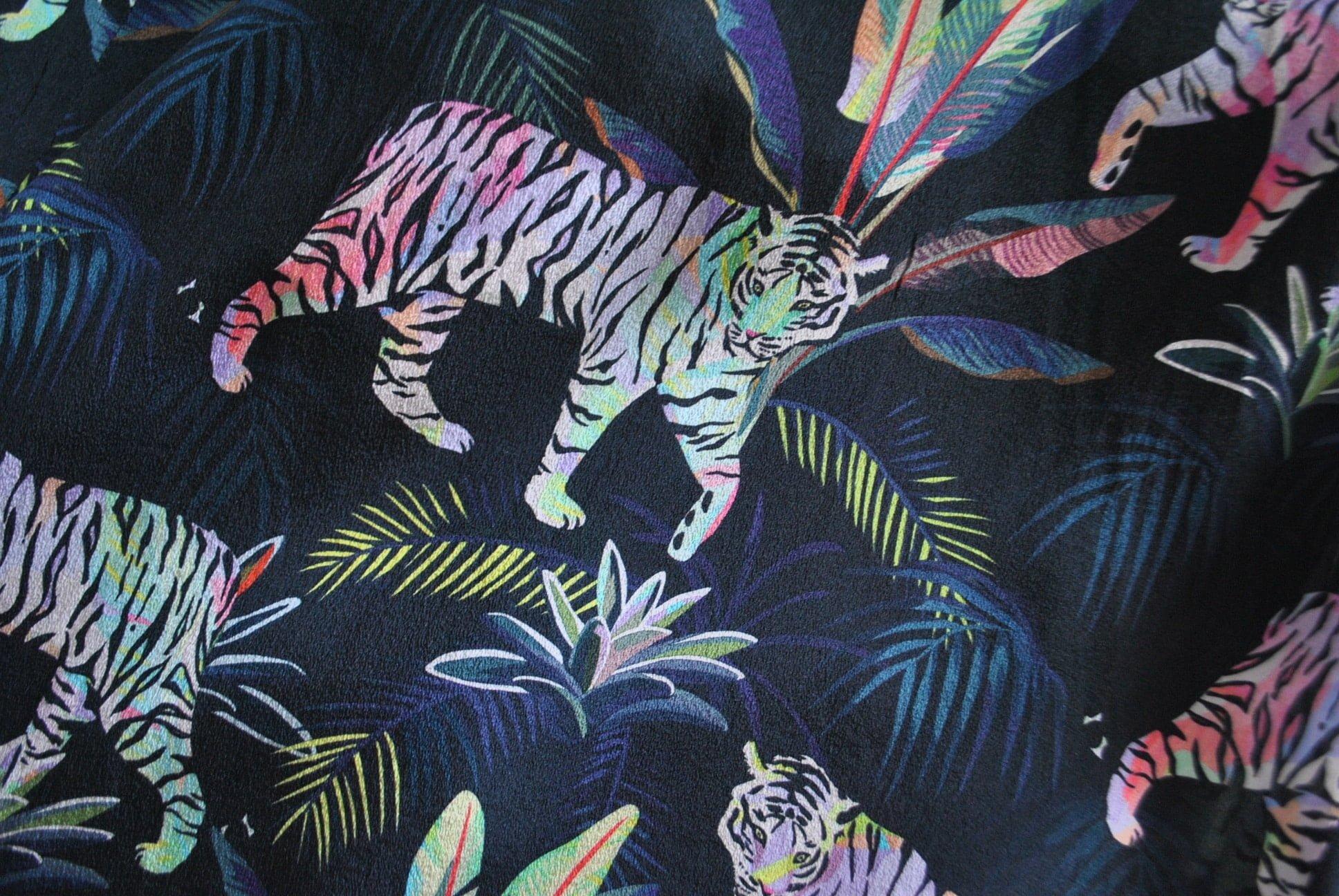 Pyrus-tiger-print